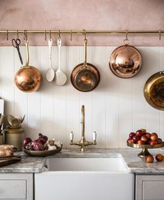 Vintage Kitchen Room of the Week :: Pink Plaster Walls in a Farmhouse Kitchen - coco kelley coco kelley - While this entire Room of the Week is stunning, the pink plaster walls and green thonet chairs had us at hello in this farmhouse kitchen dining room. Kitchen Interior, New Kitchen, Kitchen Dining, Kitchen Cabinets, Pink Cabinets, Kitchen Rack, Brass Kitchen, Dining Table, Rustic Kitchen