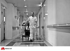 """Olivier, agent de service hospitalier qualifié / MACSF - Exposition """"Hospitalier en lumière"""""""