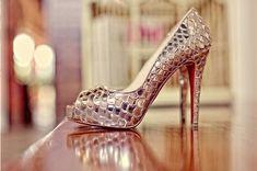 If I were flashy, I would definitely wear these.