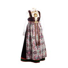 Bilderesultat for sy bunadforkle Folk Costume, Costumes, Going Out Of Business, Traditional Dresses, Norway, All Things, Lag, Scandinavian, How To Wear