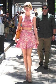 Taylor Swift Street Style - Taylor Swift Fashion Pics - Seventeen