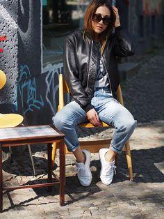 #leather #bomberjacket #leatherjacket #momjeans #denim #highwaist #casual #ootd #spring #effortless #slogantee #sneakers #reebokclassic #reebok #helloshopping #streetstyle #berlin #basic #effortless #sophisticated #fashion #fashionblogger #retro #minimal #lookbook #whowhatwear #instyle