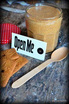Une recette de pate speculoos fait maison réalisée en 5 minutes, l'essayer c'est l'adopter !