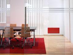 Adax NEO osoittaa, kuinka lämpöpatterit voivat olla osa kodin sisustusta. Saatavana punaisena, mustana, valkoisena ja harmaana.