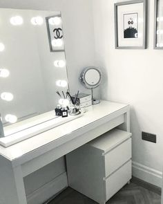 MALM Dressing table – white Make up station. MALM Schminktisch – weiß Make-up-Station. Ikea Malm Dressing Table, Dressing Room Decor, White Dressing Tables, Dressing Room Design, Dressing Table With Mirror And Lights, Desk With Mirror, Makeup Dressing Table, Dressing Table Mirror, Room Ideas Bedroom