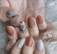Inspiration unique boho nail art ideas worth giving a try 30 - wondersstyle Cute Acrylic Nails, Cute Nails, Pretty Nails, Pretty Nail Designs, Nail Art Designs, Hair And Nails, My Nails, Minimalist Nails, Manicure E Pedicure