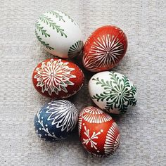 Traditional <b>Lithuanian Easter eggs</b> decorated with natural dyes and bee ...