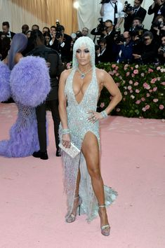 Jennifer Lopez wearing Atelier Versace attends The 2019 Met Gala Celebrating Camp: Notes On Fashion at The Metropolitan Museum of Art in New York City. 2 Piece Homecoming Dresses, Prom Dresses Under 100, 2 Piece Prom Dress, Cute Prom Dresses, Sexy Dresses, The Dress, Jennifer Lopez, Mermaid Shirt, Vestidos Sexy