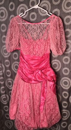 ed0f410ed6f Vintage GLENROB Women s Size 9   10 Prom Dress Pink Lace Sequins Big Bow  Medium