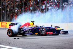 FIA libera comemorações após provas após polêmica criada por Vettel e a Red Bull na Índia.