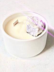 emiliemoon.com bougies sensorielles fleuries,cristaux,décoration. Balance, Decoration, Palo Santo, Decorating Candles, Crystals, Decor, Deko, Embellishments, Decorating