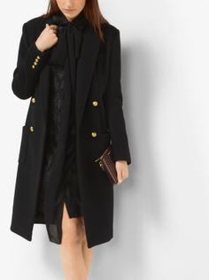 Featuring a double-breasted silhouette, notched lapels and patch pockets, this supremely soft wool coat is a glamorous nod to an iconic menswear-inspired style. Gilded dome-shaped buttons lend a polished finish.