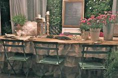 Burlap Ruffled Table Cloth - Burlap Projects