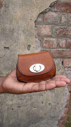 Gingerbread Nicola, Chiaroscuro, India, Pure Leather, Handbag, Bag, Workshop Made, Leather, Bags, Handmade, Artisanal, Leather Work, Leather Workshop, Fashion, Women's Fashion, Women's Accessories, Accessories, Handcrafted, Made In India, Chiaroscuro Bags - 1