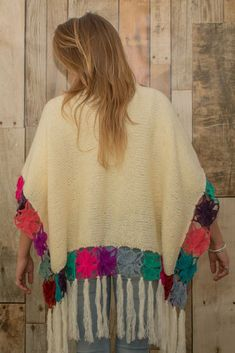 39 Ideas Crochet Shawl Wrap Capes Granny Squares For 2019 Crochet Poncho Patterns, Crochet Shawls And Wraps, Crochet Scarves, Crochet Clothes, Poncho Outfit, Poncho Shawl, Crochet Baby, Free Crochet, Knitted Cape