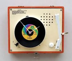 For many people nowadays, a player is much more popular than a vintage Imperial record player. But When the record player turned into a clock. Kids Record Player, Record Players, Disney Clock, Nam June Paik, Rock Around The Clock, Recording Studio Design, Home Studio Music, Phonograph, Turntable