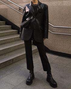 Estilo Fashion, Fashion Moda, Look Fashion, New Fashion, Korean Fashion, Womens Fashion, Minimal Fashion, Mode Outfits, Trendy Outfits
