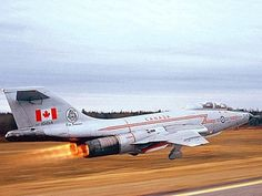 Vintage Aircraft A detailed history on the McDonnell Voodoo a 1958 Fighter WWII aircraft on display at the Canadian Warplane Heritage Museum Military Jets, Military Aircraft, Fighter Aircraft, Fighter Jets, Cles Antiques, Aircraft Photos, Air Show, Air Force, Pictures