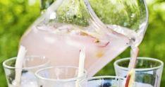 Tässäpä täydellinen kesäjuoma! Raparperi-louhisaari-juoma sopii tervetuliaisjuomaksi tai aterialle. Kurkkaa resepti!