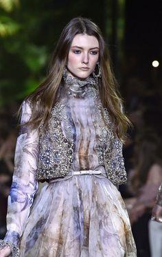 Elie Saab : Runway - Paris Fashion Week - Haute Couture Spring Summer 2016