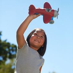 Designed with a detailed engine and cockpit, absolutely no metal, and made for wholesome, eco-friendly fun, the Green Toys Airplane takes children upward in a flight of safe, imaginative play. Made of recycled milk jugs! #GreenToys #EcoFriendly
