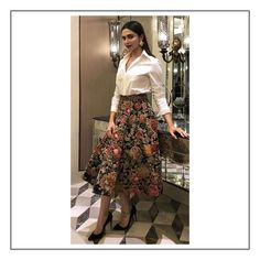 6fa343624868 Ms Padukone wears a classic silk velvet hand-painted