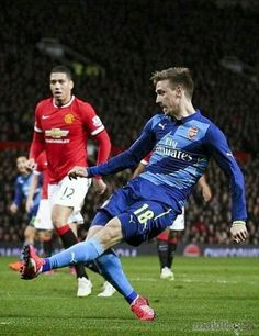 Monreal scores against Manchester United!!!