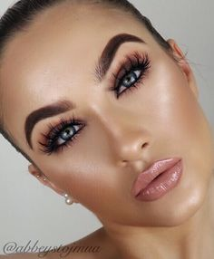 """1,038 Likes, 51 Comments - Abbey Stojanovic (@abbeystojmua) on Instagram: """"BASIC BEAT! Hope everyone has a great weekend deets... ✨brows @anastasiabeverlyhills dipbrow in…"""""""