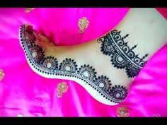 Hi Girls, How are you guys doing, hope all my viewers are doing well, I have made this feet pattern for beginner's it is very easy mehndi design and everyone. Henna Hand Designs, Beginner Henna Designs, Indian Mehndi Designs, Modern Mehndi Designs, Mehndi Design Pictures, Mehndi Designs For Hands, Henna Tattoo Designs, Mehndi Images, Leg Mehendi Design