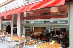 Frühstücken im Café NEST – oder die Antwort auf die Frage, wo man in Wien ausspannen und im (fast eigenem) Wohnzimmer frühstücken kann - OPERNGASSE 1040