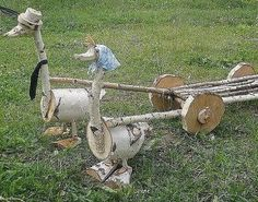 Holzbearbeitung - All For Garden Garden Projects, Wood Projects, Garden Tools, Wood Log Crafts, Wood Animal, Wood Creations, Wood Ornaments, Wood Slices, Wheelbarrow