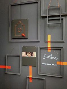 Fotolijstjes zijn niet perse bedoelt voor foto's. 2D studio inspiratie: Stands Woonbeurs 2013