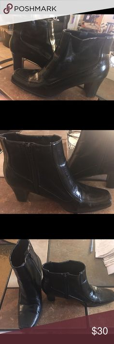 "Nickels Ladies Black Leather Booties Gently used soft black leather side zipper ankle boots with block heel. Apprx 1.5"" heel. No scuff marks. Great condition. Size 7M. nickles Shoes Ankle Boots & Booties"
