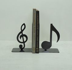 Music note bookends for piano books Sound Of Music, Music Is Life, My Music, Metal Tree Wall Art, Metal Art, Music Gifts, Piano Music, Music Clock, Music Books
