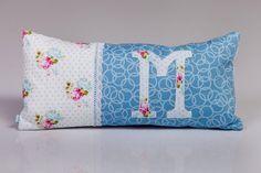 A romantikus M-nek. Minion, Throw Pillows, Bed, Design, Toss Pillows, Cushions, Stream Bed, Minions