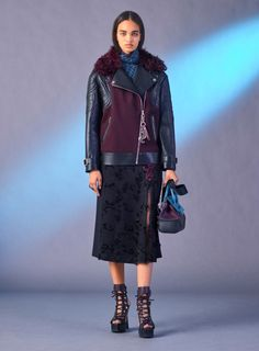 Versace коллекция | Коллекции осень-зима 2017/2018 | Милан | VOGUE