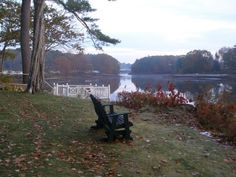 It must be nice to have this view from your backyard.     Bufflehead Cove Inn in Kennebunk, Maine on the Kennebunk River via Fine Gardening