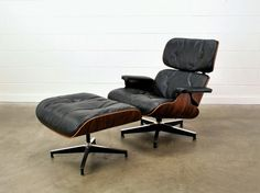 Eames Lounge Chair Brazilian Rosewood and Black Leather Herman Miller Chair Bed, Chair And Ottoman, Black Leather Chair, Seat Cushions, Mid-century Modern, Furniture Design, Vintage Man, Mid Century, Interior Design