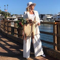 An all white outfit ensemble | Photo by Tamera Beardsley (@tamerabeardsley) | For more style inspiration visit 40plusstyle.com