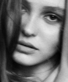 Lily Rose Melody Depp, Lily Rose Depp Style, Film Aesthetic, White Aesthetic, Lily Depp, Strike A Pose, Aesthetic Pictures, Pretty People, Celebs
