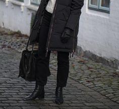 Style: winter appropriate.
