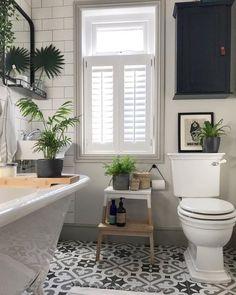 Modern Bathroom Decor Ideas Match With Your Home Design Style 02 Bathroom Windows, Bathroom Plants, Chair In Bathroom, Bathrooms With Plants, Bathroom Without Windows, Bathroom Stools, Kitchen Plants, Bathroom Floor Tiles, Bathroom Cabinets