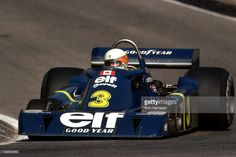 Jody Scheckter (elf Tyrrell Cosworth) Grand Prix du Canada - Mosport Park 1976 - source Carros e Pilotos. I stood right beside this car at Mosport in Le Mans, Jody Scheckter, Racing Team, Auto Racing, Canadian Grand Prix, Formula 1 Car, Race Engines, Classic Motors, Car Drawings