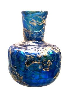 Sasanian-influenced flask, dating back to the 11th century CE. Sasanian glass of Persia and Mesopotamia was the key model for glass manufacture in later periods, especially during the Abbasid era. Chrysler Museum of Art, Norfolk, VA. Photo by Babylon Chronicle
