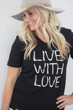 Love this cute graphic tee!