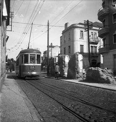 Eléctrico de Carnide, Palma de Baixo (Estr. da Laranjeiras), c. 1950. Judah Benoliel, in archivo photographico da C.M.L.