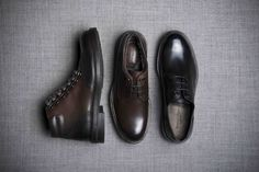 Created from durable leather calf leather on a high-grip rubber sole, classic brogueing and a sturdy lace-up front add to the stylish design of this multi-purpose casual boot.