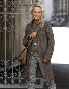 (via g r e y / l?ngkofta // garter stitch knit sweater coat // taupe )