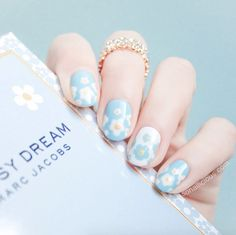 Marc Jacobs daisy dream by SoNailicious
