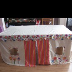 A table tent for my kids. Totally going to make this for our kitchen table. | Kid stuff | Pinterest | Table tents : table tents for kids - memphite.com